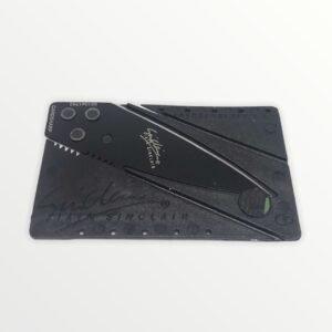 karta se skrytým nožem